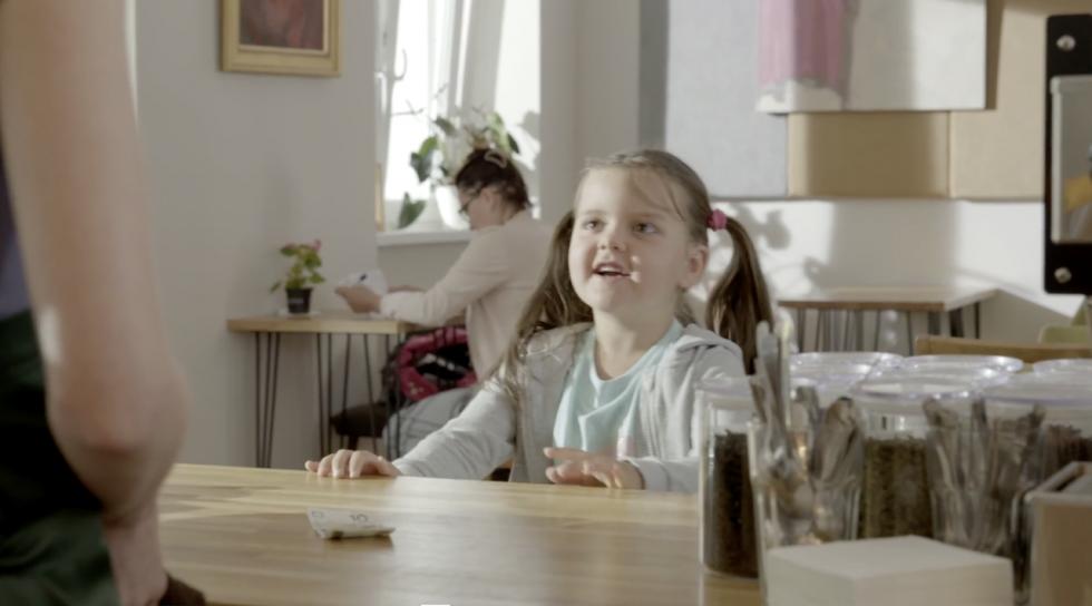 dziewczynka bmk reklama reżyser ula zawadzka społeczna wkrętka case studye